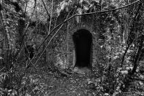 Entrata ciminiera dell' antica Filanda  tessile  - Forno (Massa)
